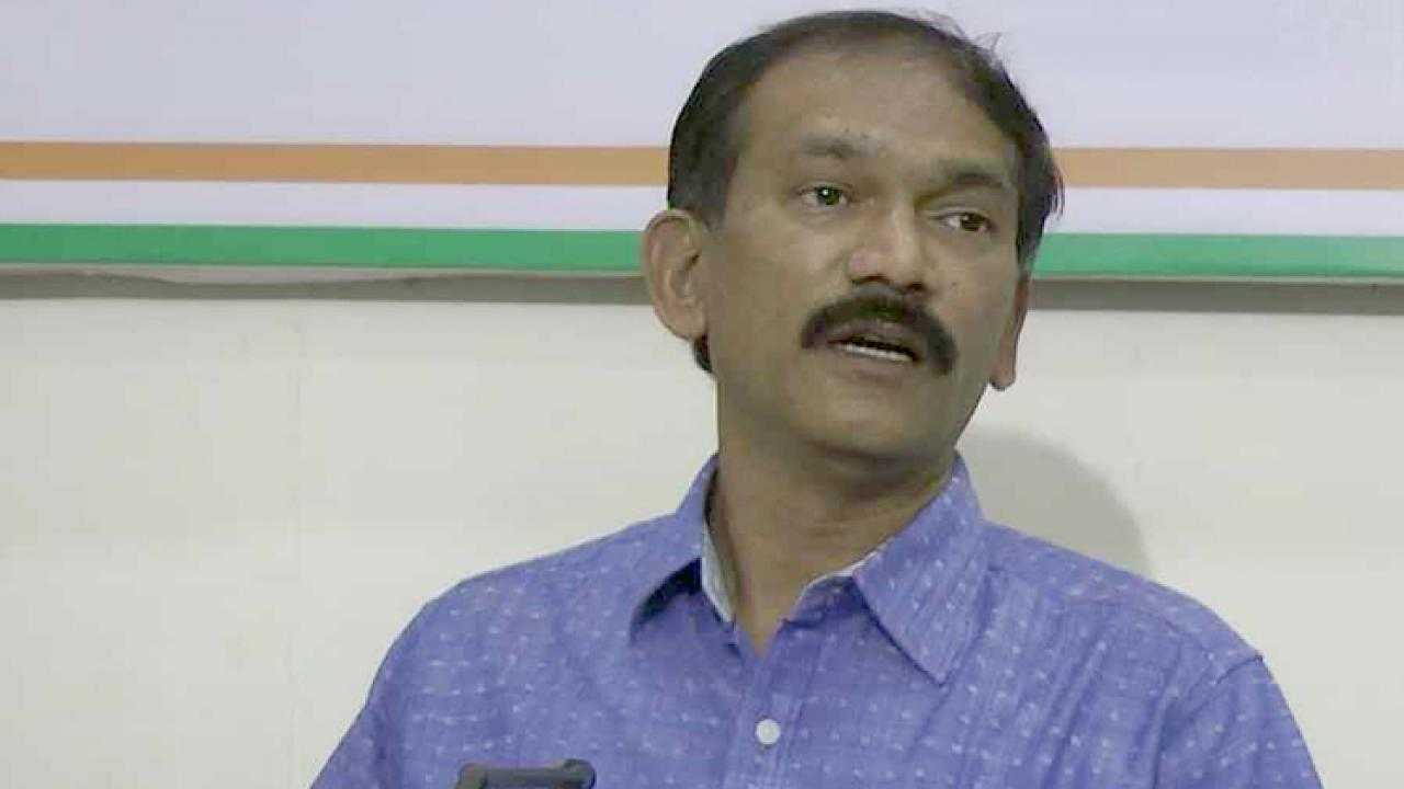 Goa: Defective government is all out to convert into coal hub, alleges Girish Chodankar