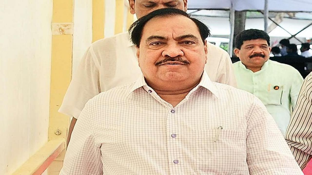 senior BJP leader Eknath khadse resigns from the partys membership