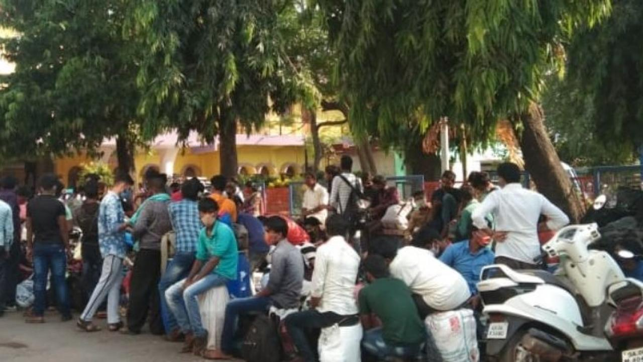 Goa Lockdown Workers from Vasco Bihar Uttar Pradesh and Jharkhand have left for their village