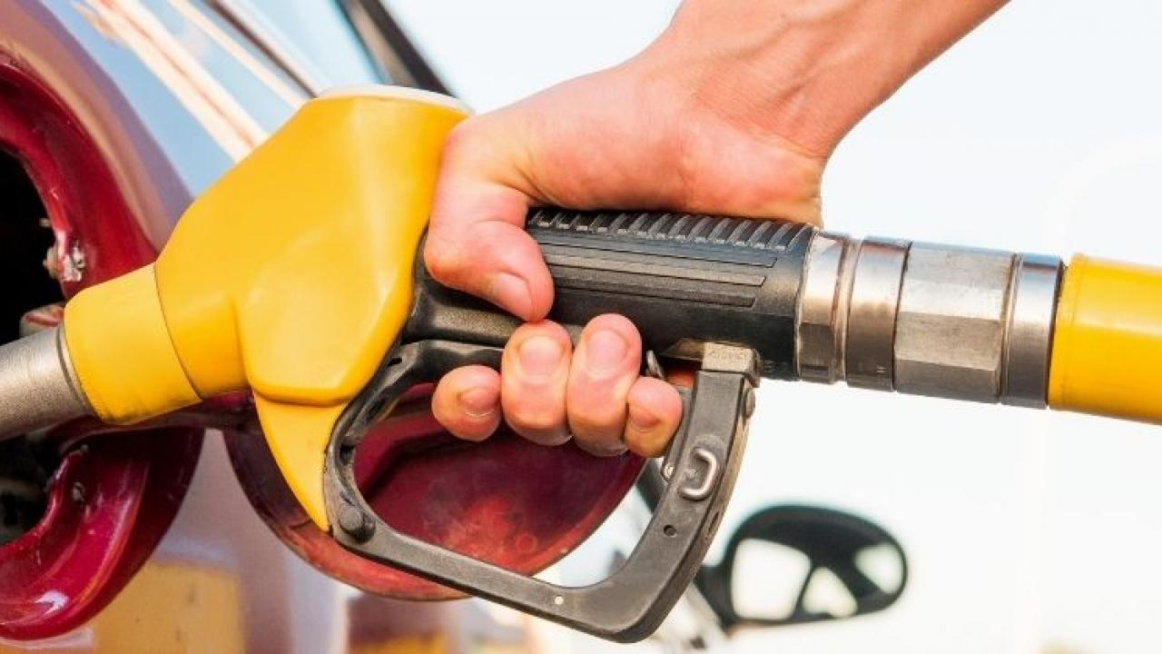 Get rid of fuel price hike, Flex-fuel engine cars to be made in India