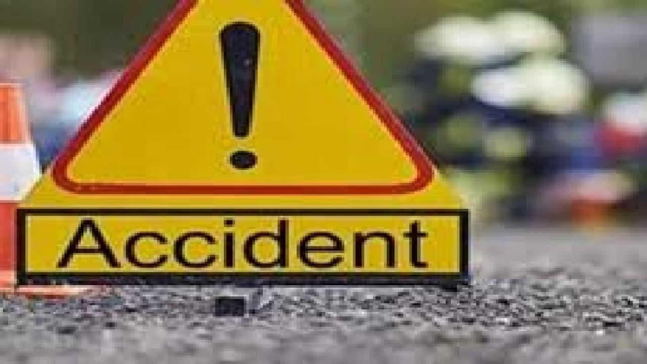 one died in a road accident on national highway near mole