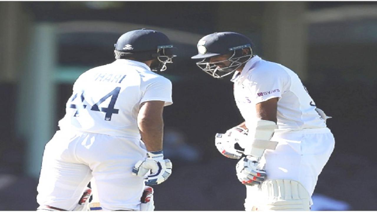 India Vs Australia 3rd Sydney test match drawn as Hanuma Vihari and R Ashwin Sticked to the wicket India Australia on tie with 1 victory