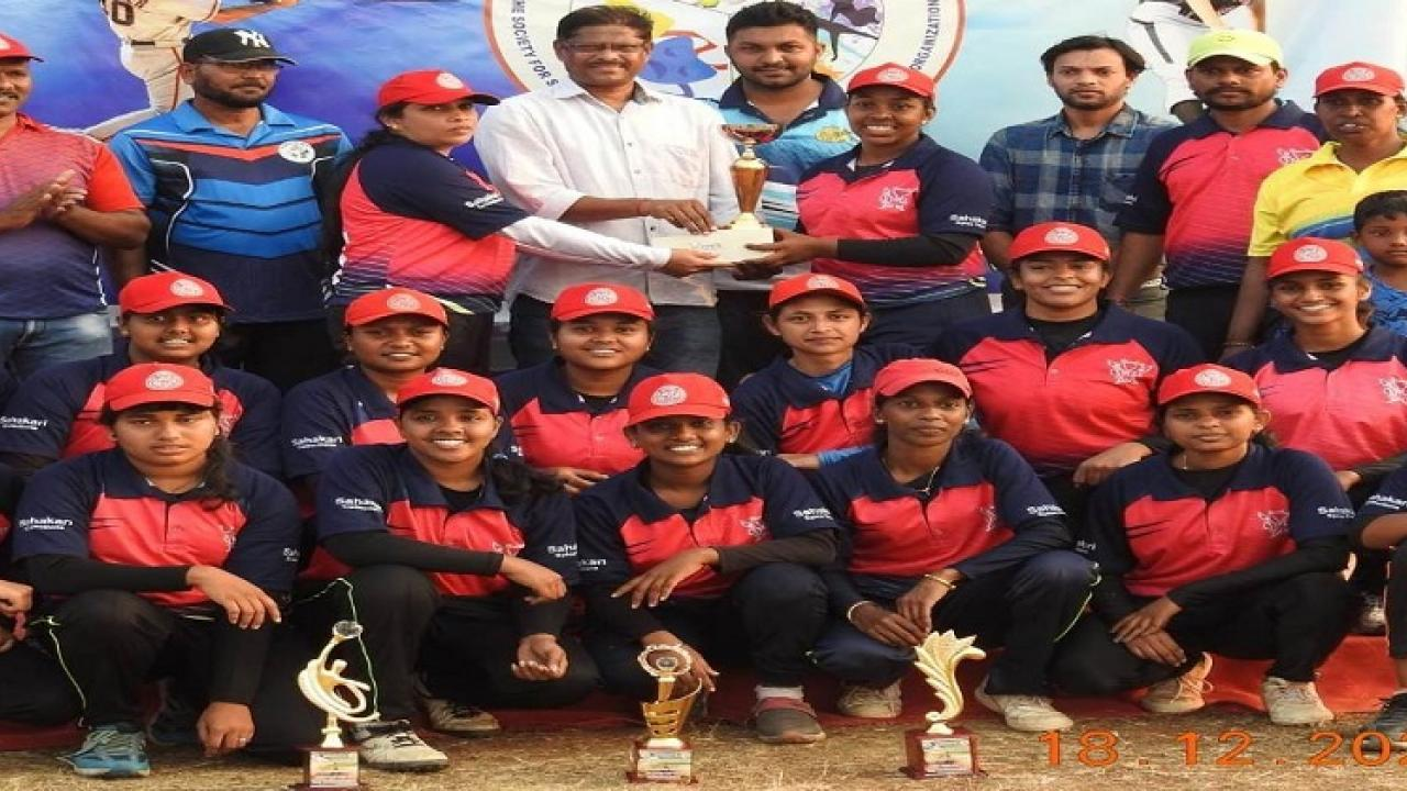 Dazzling Divasa Team Winner in Baseball