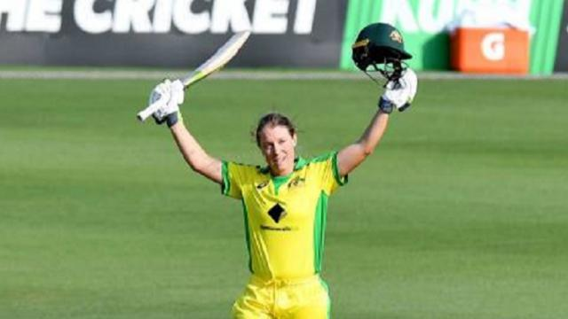 Australian wicket keeper Alyssa Hilli hits 111 runs in 52 balls in the big bash league