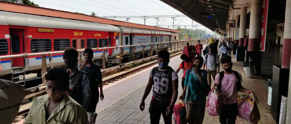 Daily Wages Worker returning to there hometown amid Goa lockdown