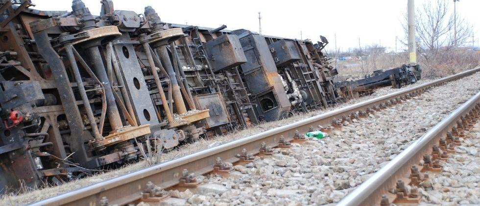 A naval officer and a woman were death in a train collision in Old Goa