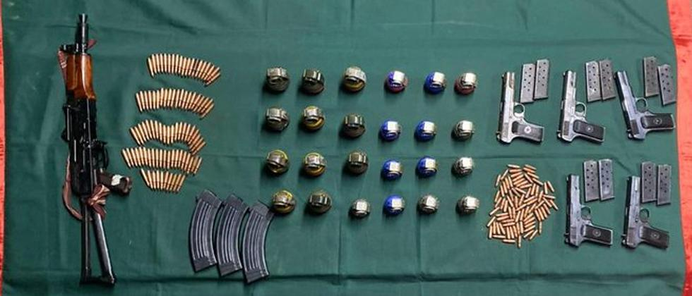 Indian army seize ammunition in Rampur sector