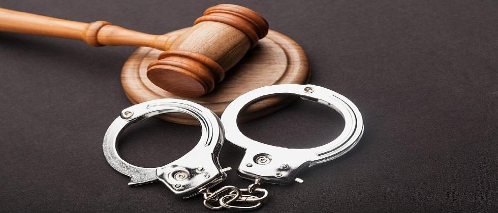 three arrested while betting during ipl match