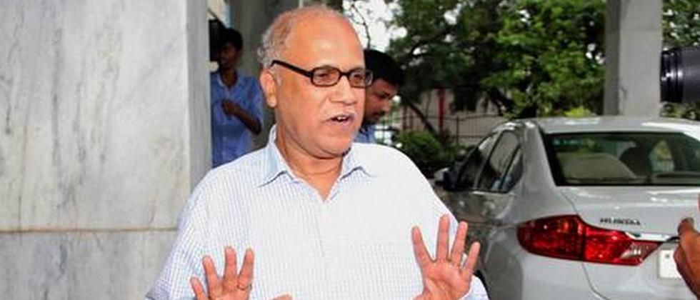 Digambar Kamat demands announce the policy on education medium report