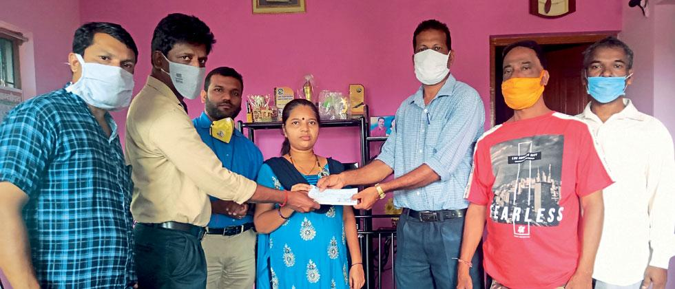 Financial assistance to the workers family from the SEZA trade union