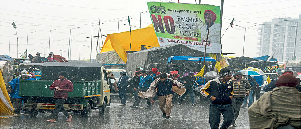 Rainfall waterlogging  becoming an inconvenience for protesting farmers against new farm laws at Delhi Borders