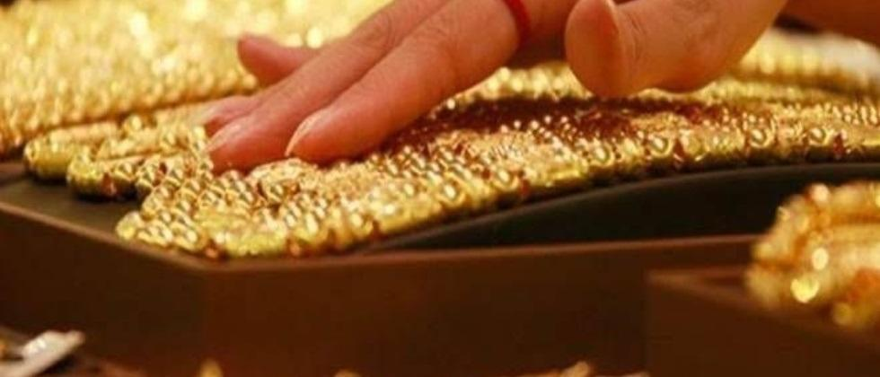 decrease in gold and silver prices in india