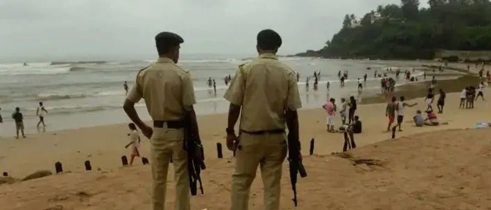 Goa Calangute police crack down on those who do not wear masks in public places