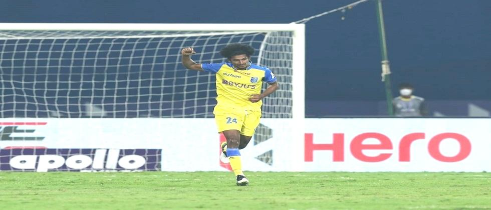 Kerala Blasters beats Hyderabad FC by 2 goal in Indian Super League match played at Bambolim