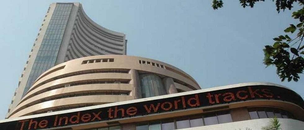Sensex crosses 44,000 due to banks and automobile industry