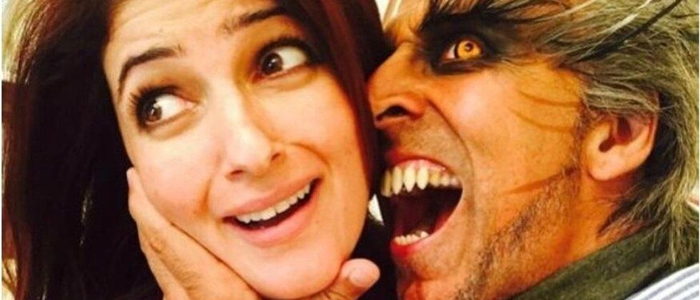 actress twinkle khanna compares pandemic with holloween