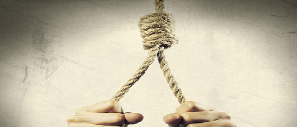 man commit suicide by hanging himself on a tree in mhapsa