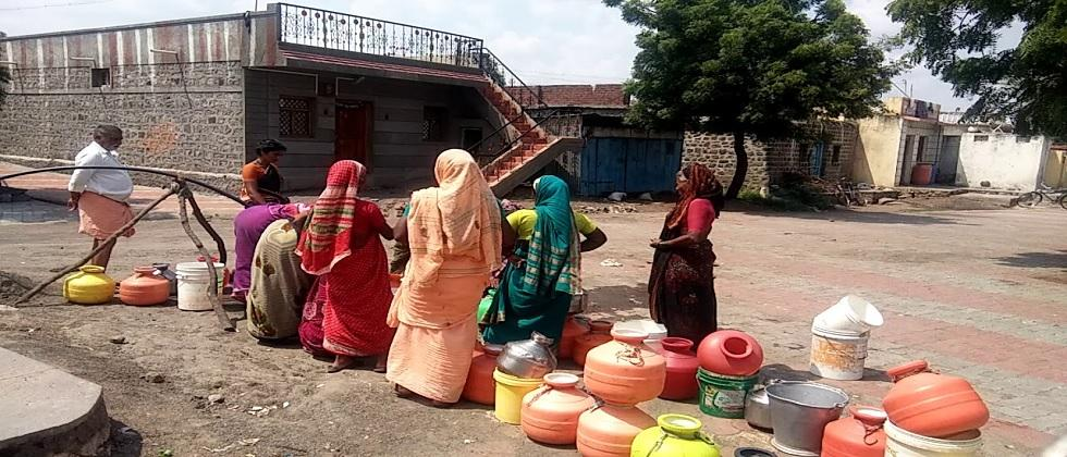The villagers demanded early water supply