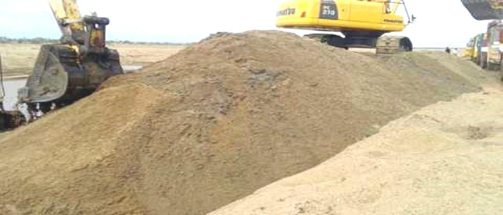 80 cubic feet of illegal sand in Poraskade back into the river