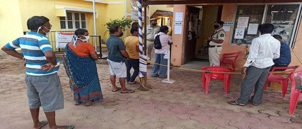 Voters are discouraged from voting in Goa Zilla Panchayat elections due to Corona