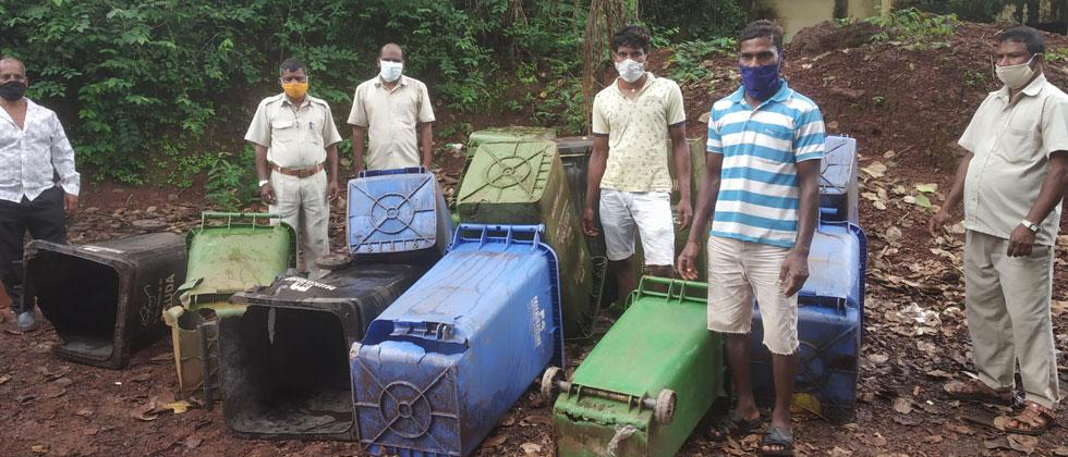 Garbage contractors hold Sange municipal area to ransom