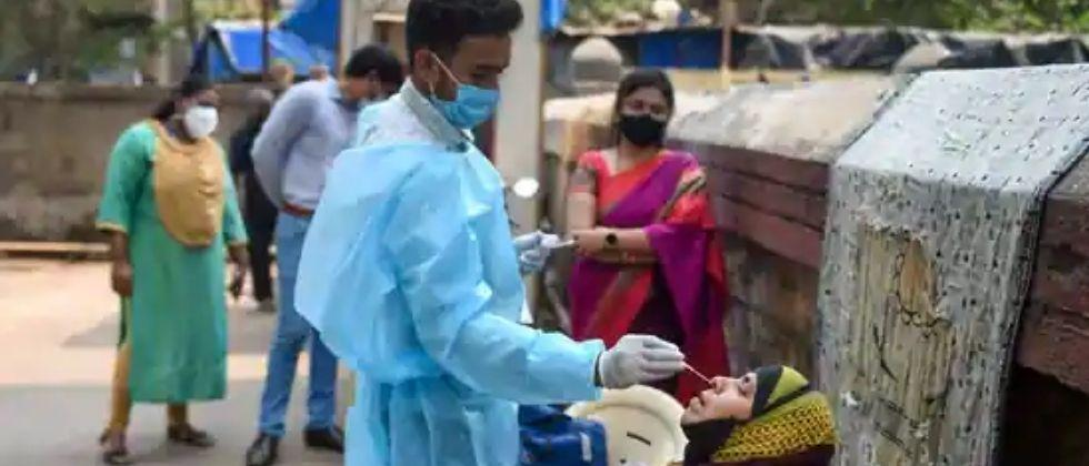 Nine out of 10 districts with active patient number are in Maharashtra
