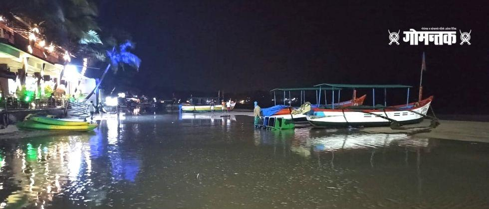 The water crossed the tidal line at Palole beach in Canacona Sudden rise in water level