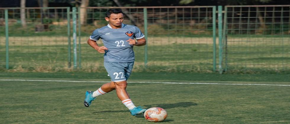 Show cause notice to FC Goa player Redeem Tlang for violation of discipline in ISL match against Mumbai City FC