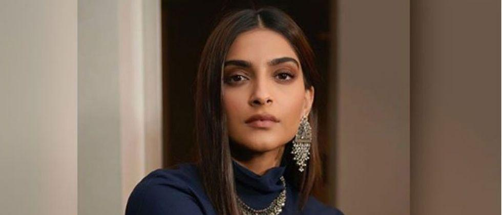 Sonam becomes a troll due to a shocking photoshoot
