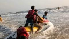 Illegal boating business in coastal area