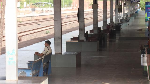 An empty railway station during the initial days of lockdown. Pic: Atish Naik