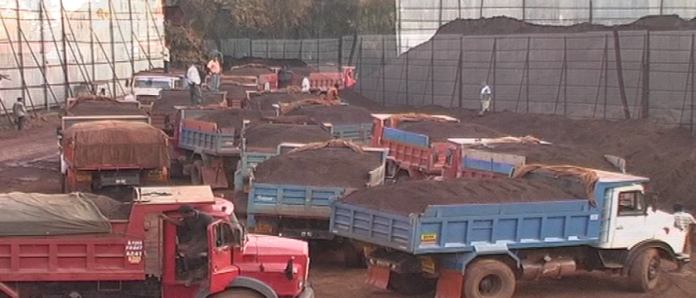 Salcete truck owners assn demand ban on outside trucks in bauxite plant