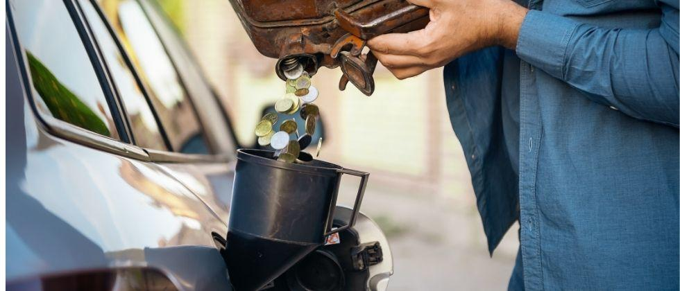 Starting from a price line of Rs 90.40 a litre on May 1, petrol is now priced at Rs 101.19 a litre in the national capital, rising by a sharp Rs 10.79 per litre in last 74 days. (Gomantak Times)