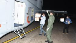 Blood samples of suspected COVID-19 patients being loaded in the aircraft for ferrying it from Goa to Pune