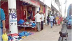 Street vendors occupy passages again at Curchorem bazar
