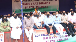 Senior Congress leader P Chidambaram along with other Congress leaders and workers hold 'maun vrat' (vow of silence) at Azad Maidan to protest against the brutal killing of farmers in Uttar Pradesh and demand the sacking of junior home minister Ajay Mishr