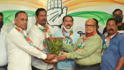 Former Minister Avertano Furtado on Tuesday joined the Congress in presence of the Goa Congress desk in charge of Dinesh Gundu Rao, GPCC president Girish Chodankar and leader of opposition Digambar Kamat.
