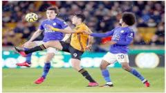 Wolverhampton Wanderers had a goal controversially ruled out by VAR as they were held to a 0-0 draw at home to Leicester City, who finished with 10 men, in the Premier League on Friday.