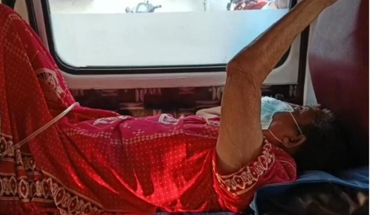 A senior citizen from Dombivali got Hospital bed after message gone viral on Whatapp Group