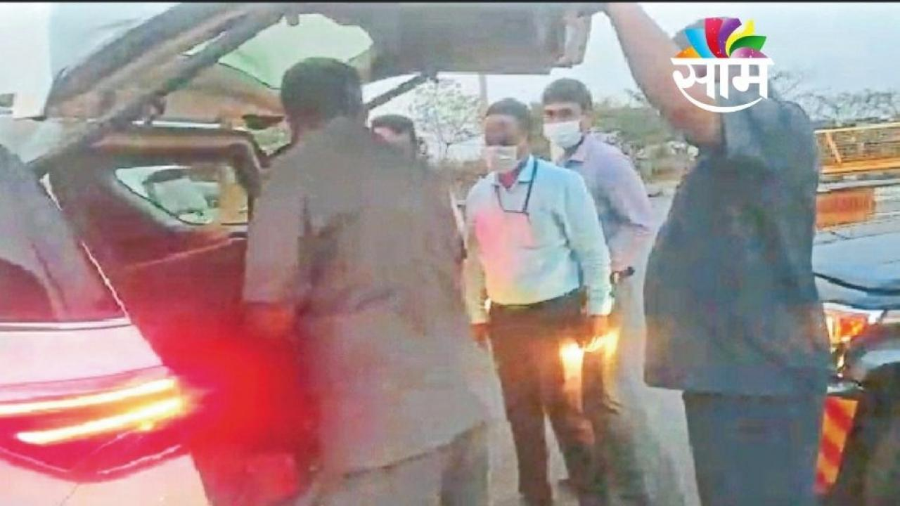 Karnataka CM Vehicel being Checked