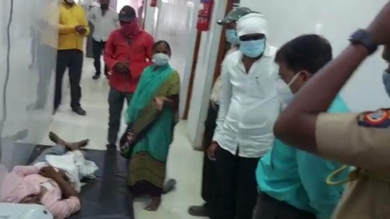 Patient in Beed Died after 12 hours search for bed
