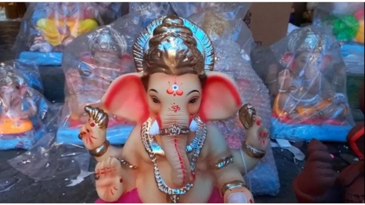 2000 idols of Lord Ganesha have been sent to America from Badlapur