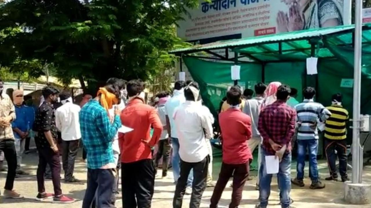 Shortage of test materials along with corona vaccine in Gondia