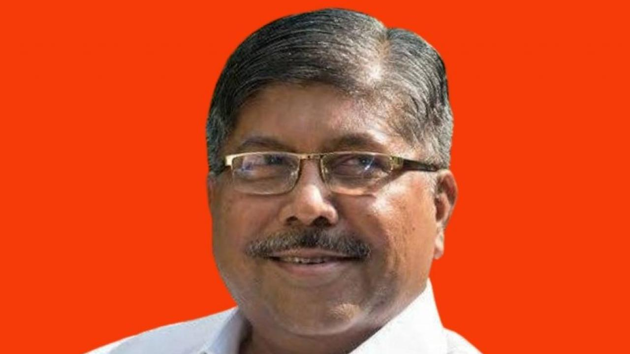 Chandrakant Patil Gives Target to PCMC Coporators for Graduate Elections