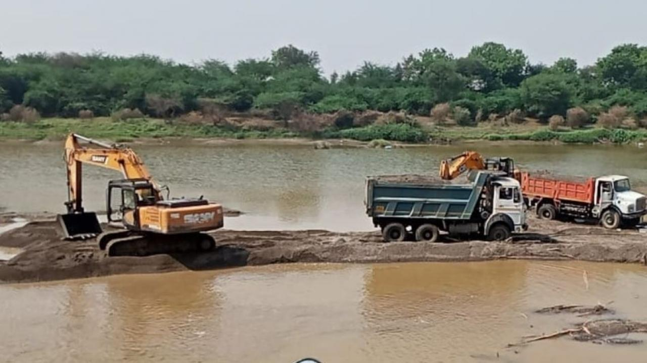 Illegal Sand Mining in Parbhani
