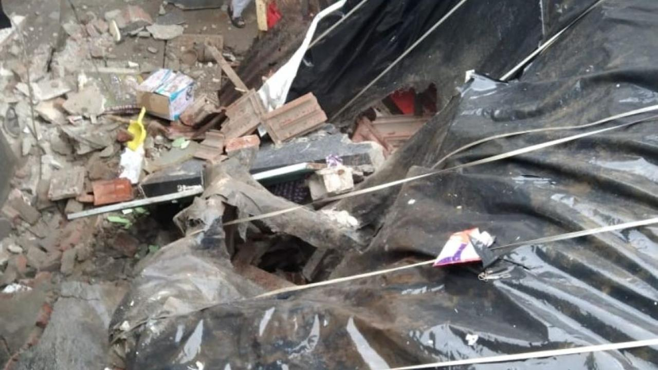 A house collapsed due to rain in the Lal dongar area