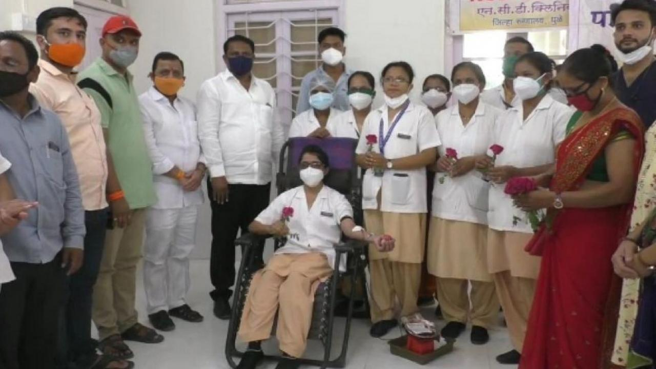 Blood donation camp organized by the nurses of Dhule District Hospital