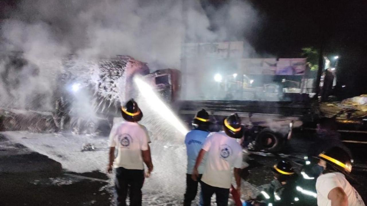 Oil tanker hits container on national highway