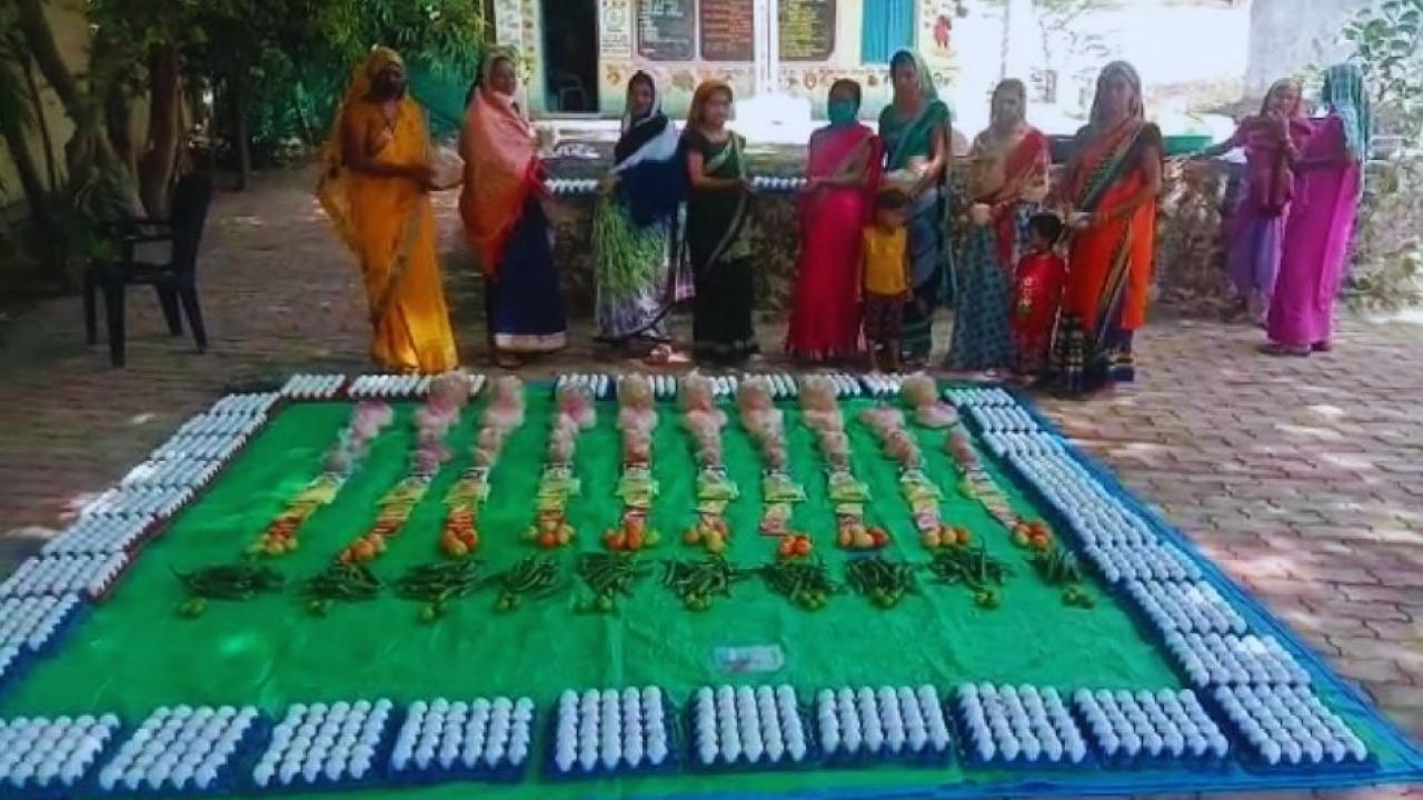 Nutritious food was distributed to pregnant women under Amrut Yojana