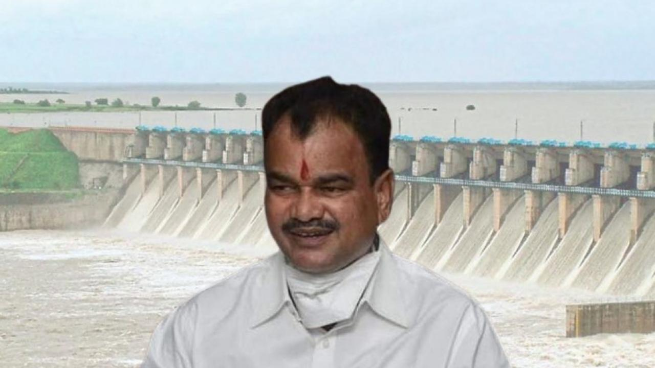 Solapur Guardian Minister Dattatray Bharne Aggressive over Ujani Water